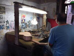 Cuba Havana guitar luthier